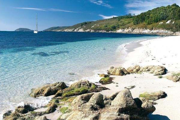 Despedida de soltero en la Isla de Ons. Despedida de soltero y soltera en Vigo, Cangas y Bueu.